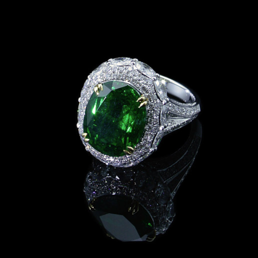 Emerald Diamond platinum ring in Sydney
